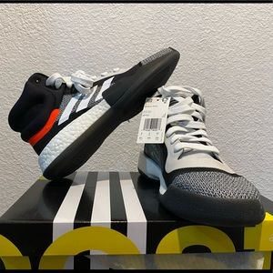 Adidas Marquee Boost Basketball men size 8.5